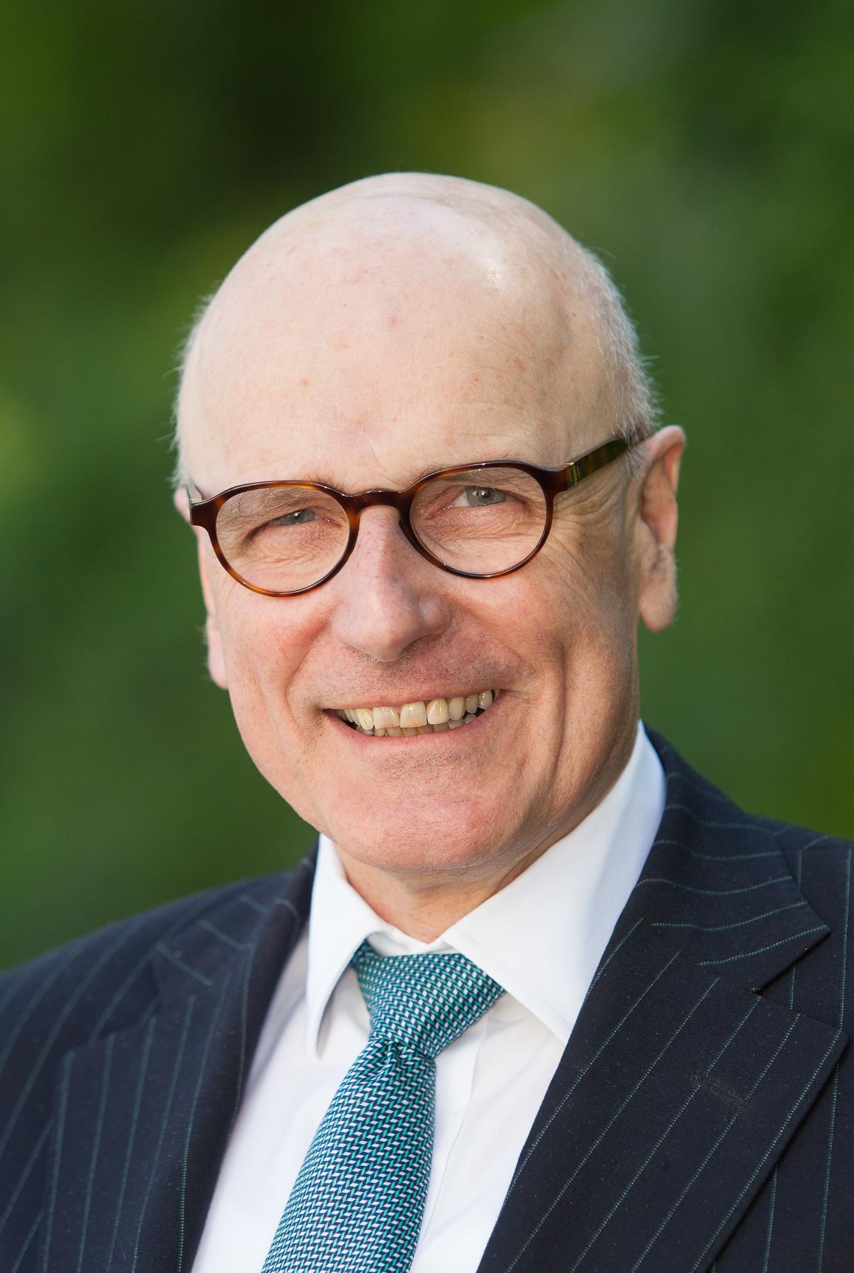 Dr. Albrecht Geier
